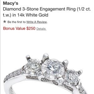 Diamond engagement ring😊💕